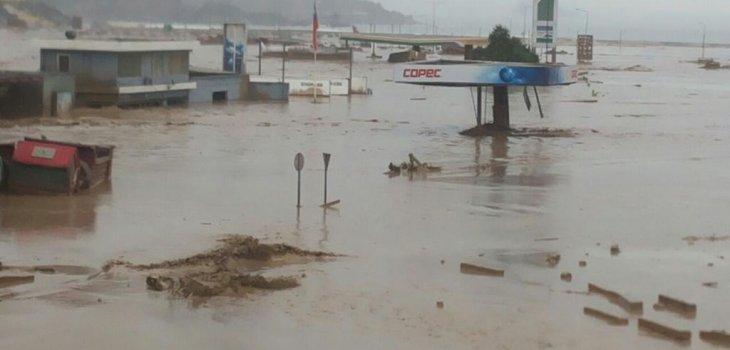 Autoridades chilenas niegan reacción tardía ante lluvias en el norte
