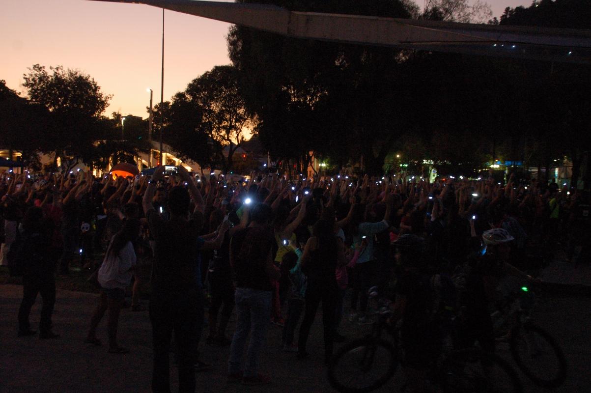 CHILE: La Hora del Planeta congregó a cerca de cinco mil personas en Providencia