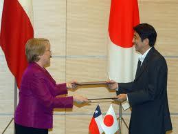 Chile y Japón firman acuerdo para reducir emisiones de gases invernadero