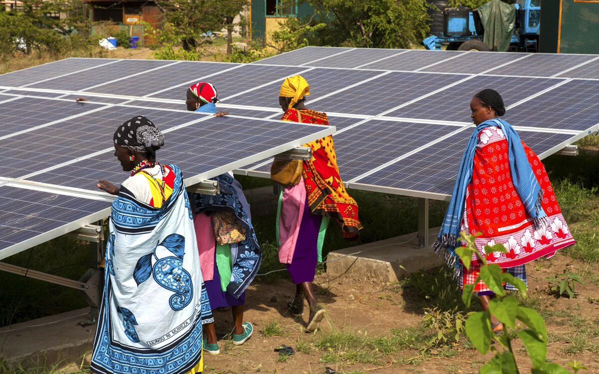 """Jefes de estado africanos anuncian """"gigantesca"""" iniciativa de energía renovable para 2030"""