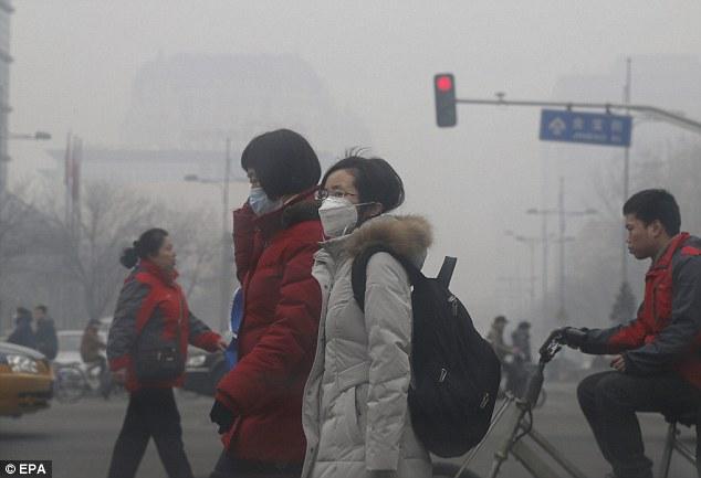 Beijing en alerta roja por altos niveles de contaminación