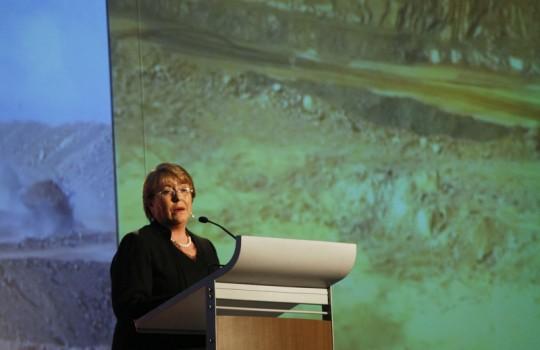 Presidenta Bachelet firma Acuerdo de París sobre cambio climático
